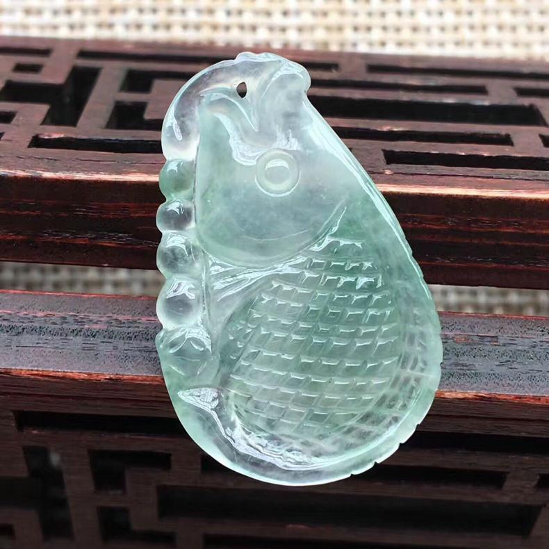 天然翡翠立体年年有余挂件玉坠