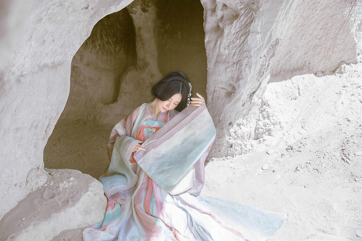 古风雪山孤寂·古装人像摄影