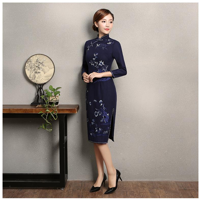 深蓝色绣花旗袍,复古风旗袍裙