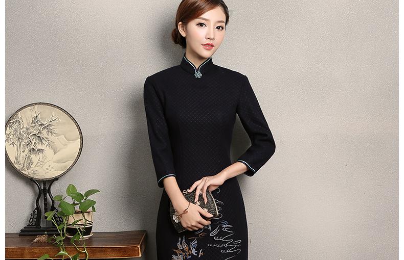 深色绣花缥缈旗袍,复古风旗袍裙