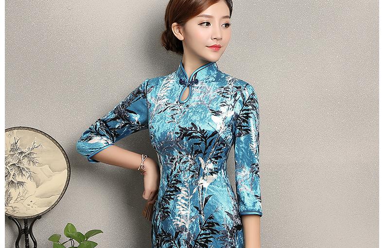 蓝色印花郁兰旗袍,优雅复古旗袍裙