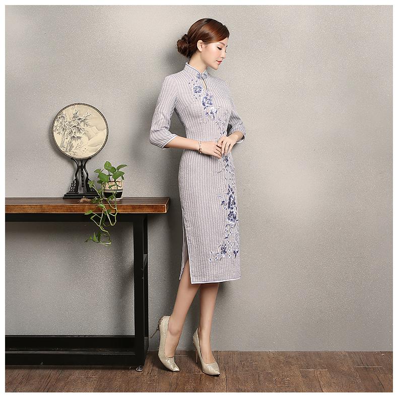淡紫色条纹旗袍,文艺复古绣花旗袍裙
