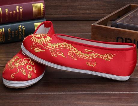 时尚中国风绣花鞋,男士手工千