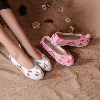 樱桃刺绣可爱翘头鞋,复古传统