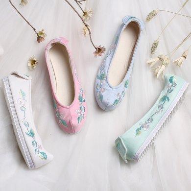 花朵刺绣翘头鞋,复古民族风绣