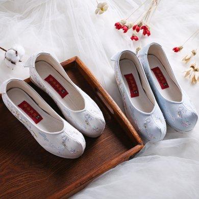 梅花鹿刺绣内增高翘头鞋,复古