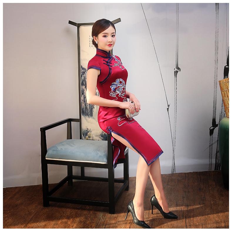 红色云凤刺绣旗袍,短袖真丝旗袍裙