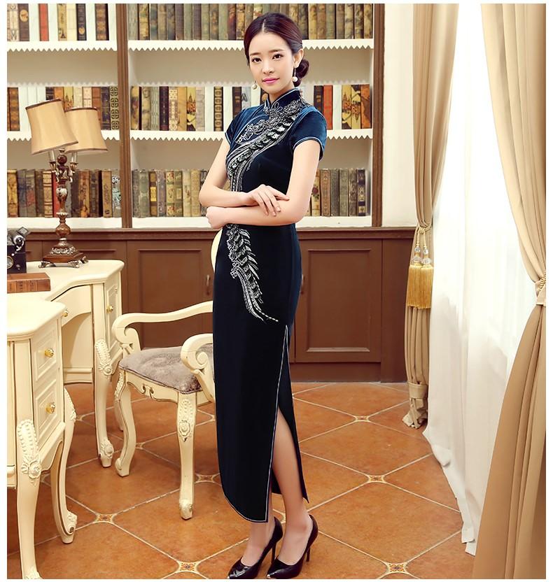 蓝色凤羽立体刺绣旗袍,短袖丝绒旗袍裙