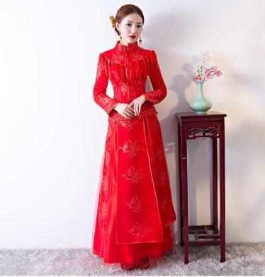 精致蕾丝花纹中式礼服,新娘结