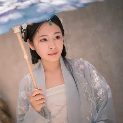 淡雅带伞团扇女生头像,唯美古风真人头像