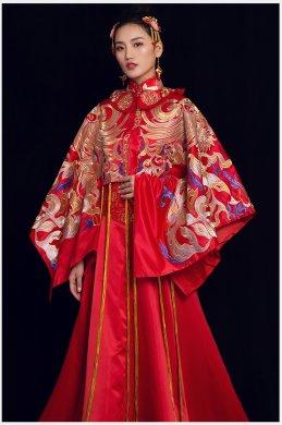 女皇的嫁衣:凤凰刺绣拖尾新娘