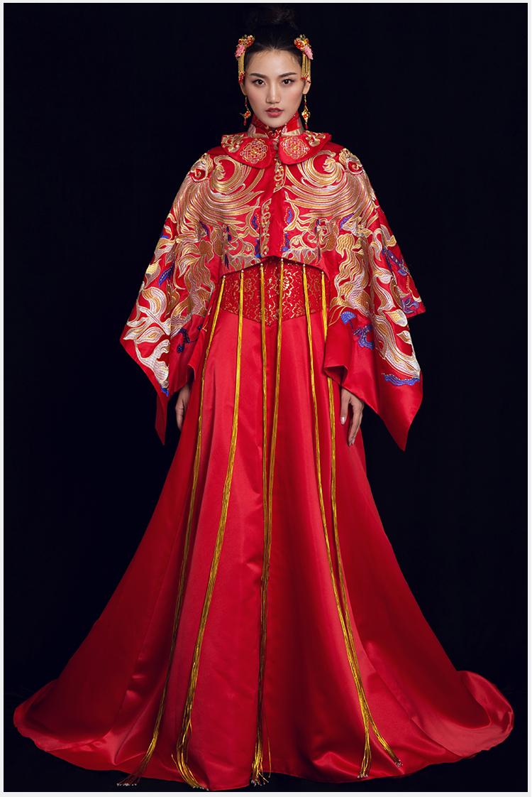女皇的嫁衣:凤凰刺绣拖尾新娘礼服