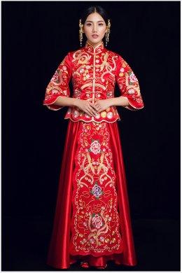 凤穿牡丹中式礼服:烟汐水波纹