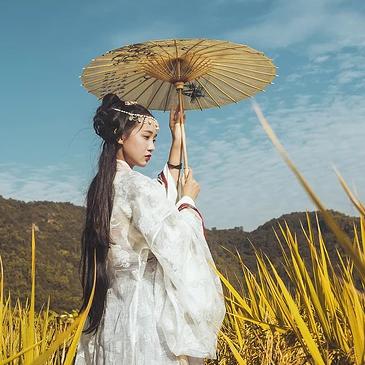 稻田飘香带伞女生头像,唯美古风真人头像