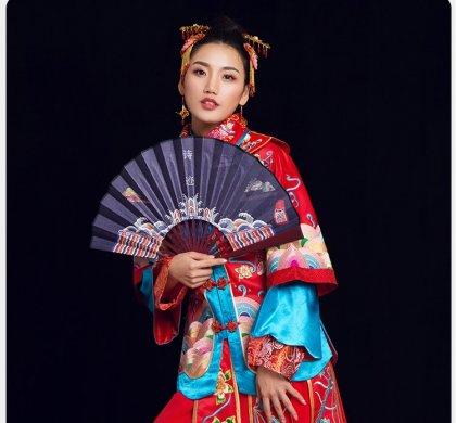 七彩祥云中式礼服:一款唯美幸