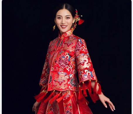 龙朝凤中式礼服:流苏奢华新娘