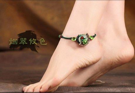 烟翠古韵脚链:复古绿叶扇形吊