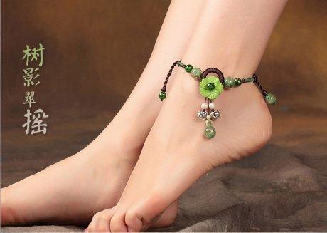 树影翠摇脚链:淡绿贝壳花朵小