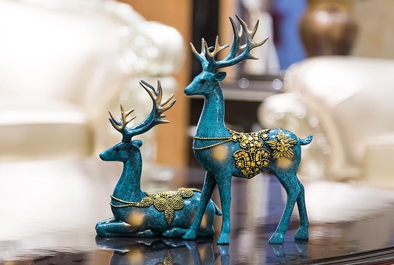 空灵优雅,福寿福禄双至的鹿型青铜器工艺品