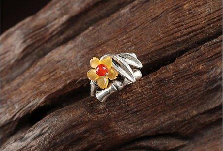 小黄花民族风戒指,时尚典雅指