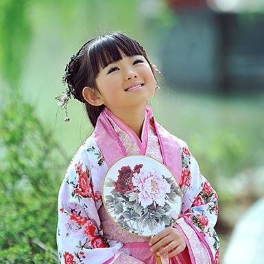 超萌粉色小花仙带团扇女孩头像,唯美古风真人
