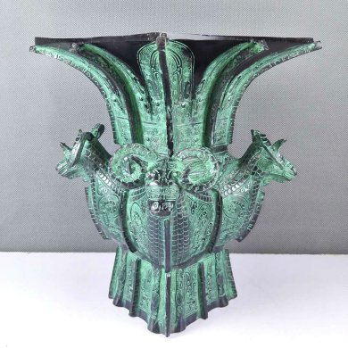 精美青铜器——四羊方尊