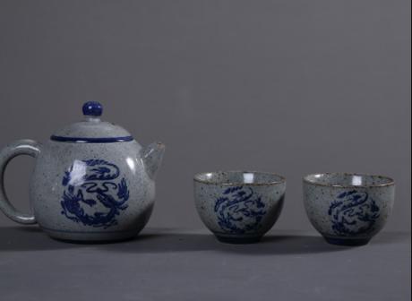 复古陶瓷一壶两杯茶具,粗麻绳