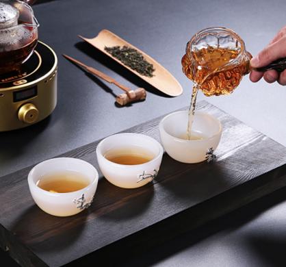 白瓷白玉茶杯,镶银功夫茶具