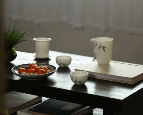 凝脂玉瓷简约茶具,一壶两杯功