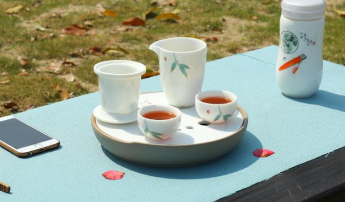 凝脂玉瓷简约茶具,一壶两杯功夫茶具