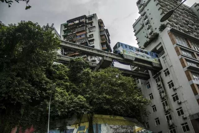 看看1700的楼房是什么样子?到重庆网红古镇打卡