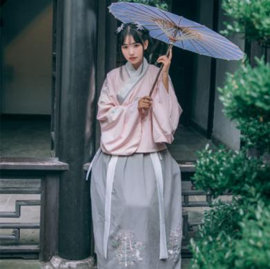 传统汉服双层交领袄裙襦裙绣花