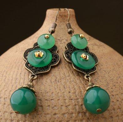 停僮葱绿耳环:森系绿耳环气质