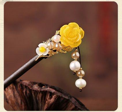 清新脱俗黄花朵簪子:古风气质