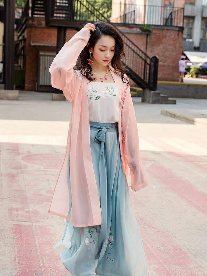 玉簟传统汉服,中国风刺绣古装图片
