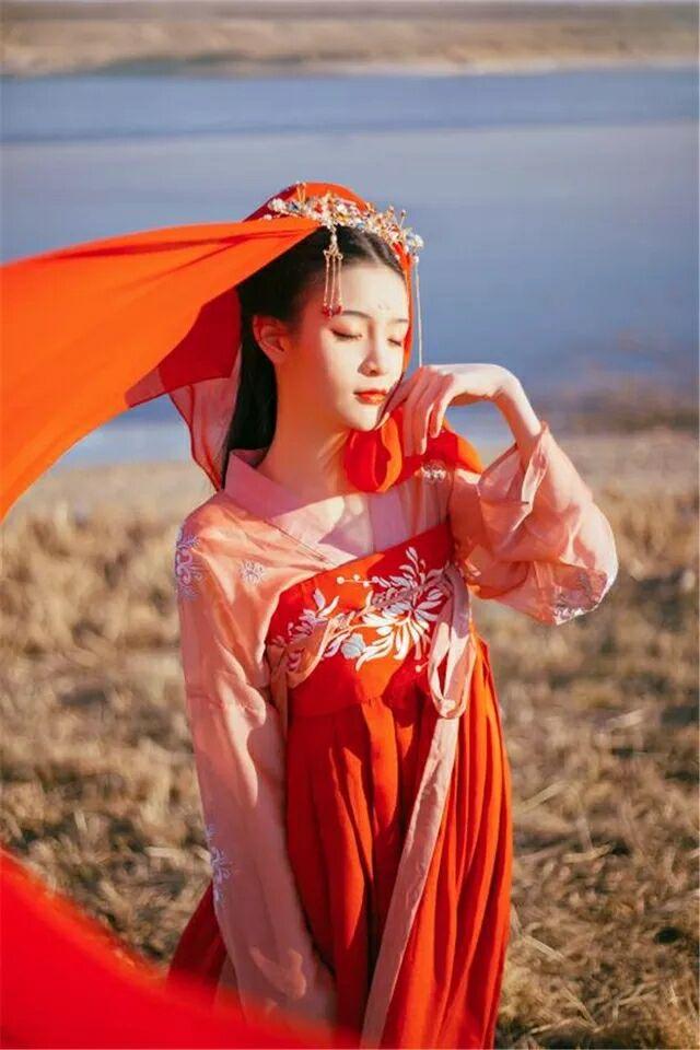 婉娘齐胸襦裙,清新淡雅汉服图片