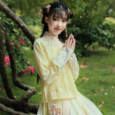 雨縑縑意汉服,清新刺绣襦裙汉
