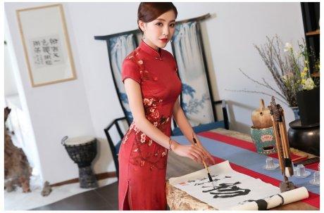 喜气中国红旗袍,耀眼的中国韵