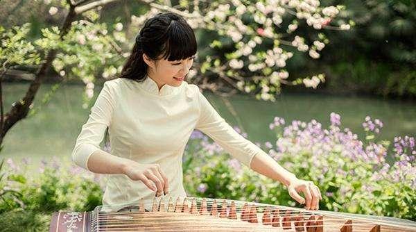 乐器古筝的好处:锻炼优雅十足的气质!