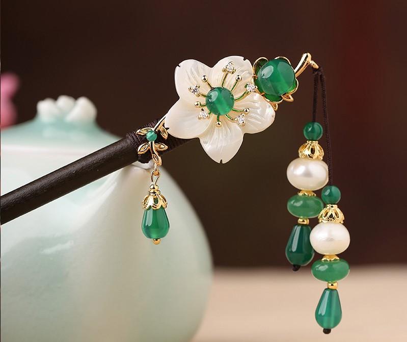 慕梅飞绿发簪:高贵清雅的古风头饰