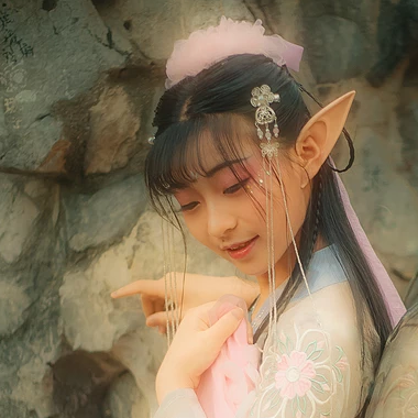 梦幻精灵女生头像:唯美古风真人头像