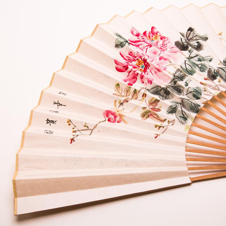 古典檀香折扇:水墨画扇子
