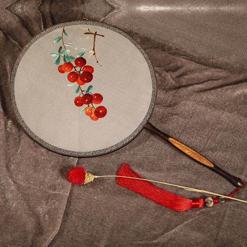 五款古典优雅刺绣团扇:一袭古风韵味飘扬
