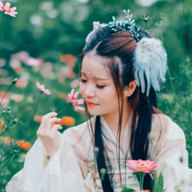 小清新女生头像:唯美古风真人头像