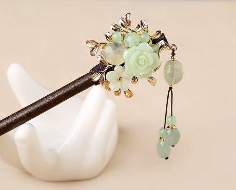 淡绿古风花朵发簪:古典素雅簪