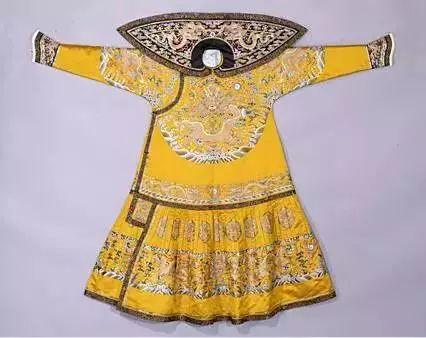 宫中古装的分类:原来皇帝龙袍这么多讲究