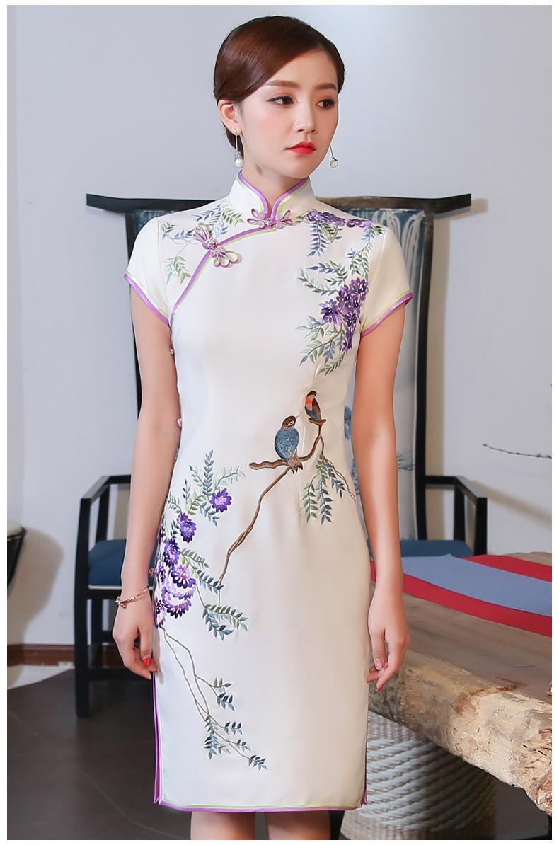 清新鹊依旗袍:一袭古典曼妙的身影