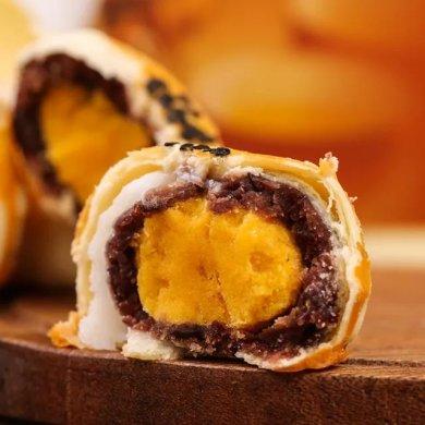 特色美食海鸭蛋黄酥:让人上瘾