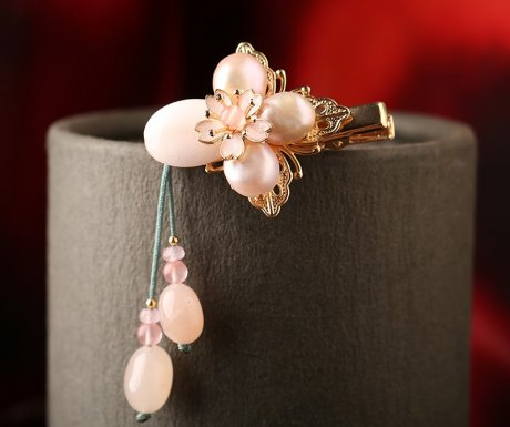 粉嫩珍珠发夹,淡雅精致的古风