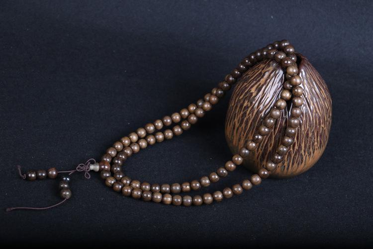 佛珠手串知识:佛珠的正统盘捻方法